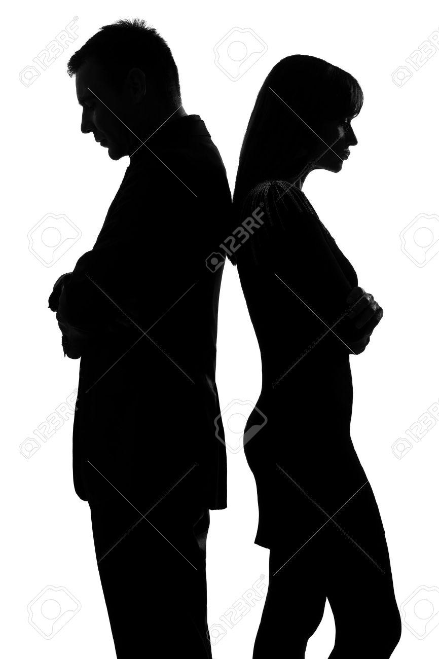 La Trinité est notre programme social dans Communauté spirituelle 14683126-un-couple-caucasien-debout-dos-%C3%A0-dos-l-homme-et-la-femme-triste-dans-le-studio-silhouette-isol%C3%A9-sur-f