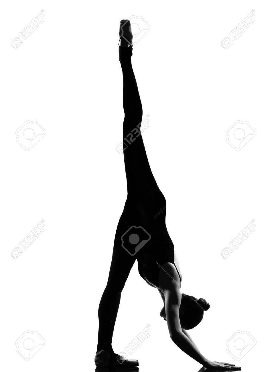 Разминка голой балерины 19 фотография