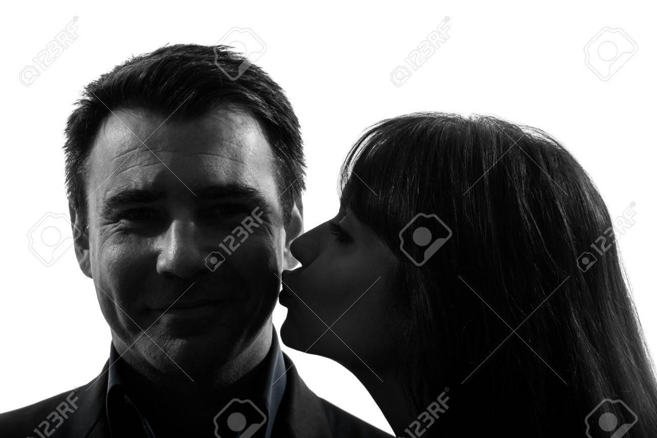 Фото женщины целуются 29 фотография