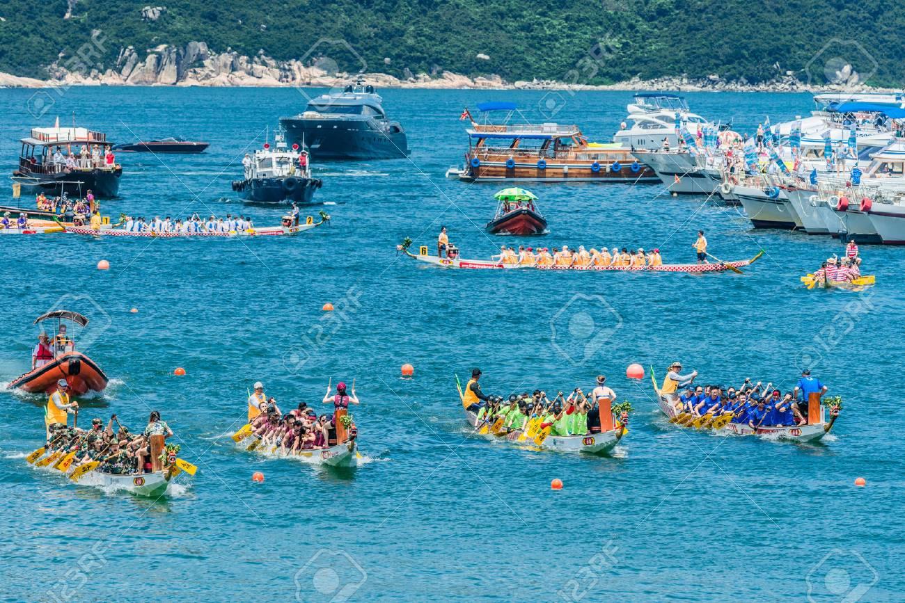 Hong Kong China June 2 2014 People Racing The Dragon Boats Festival