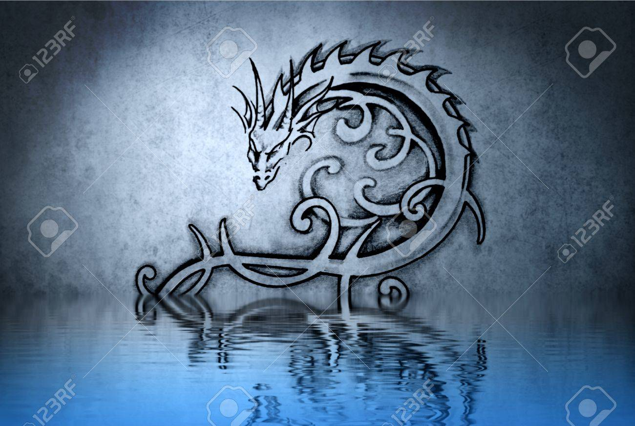 Lovely  tattoo drawing on blue wall reflections in the water Stock Photo - 13344454