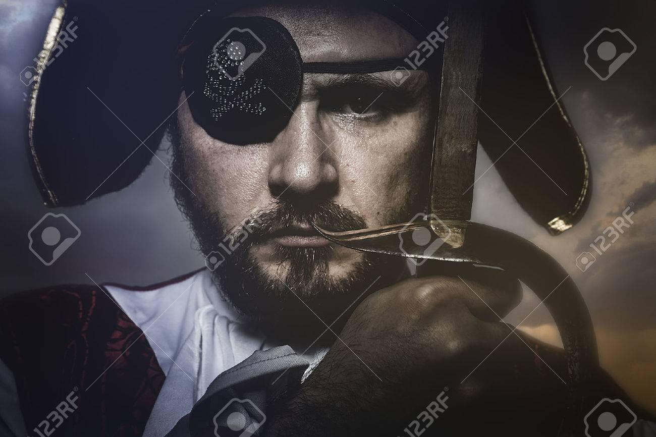 pirate with hat and eye patch holding a sword Stock Photo - 42331182