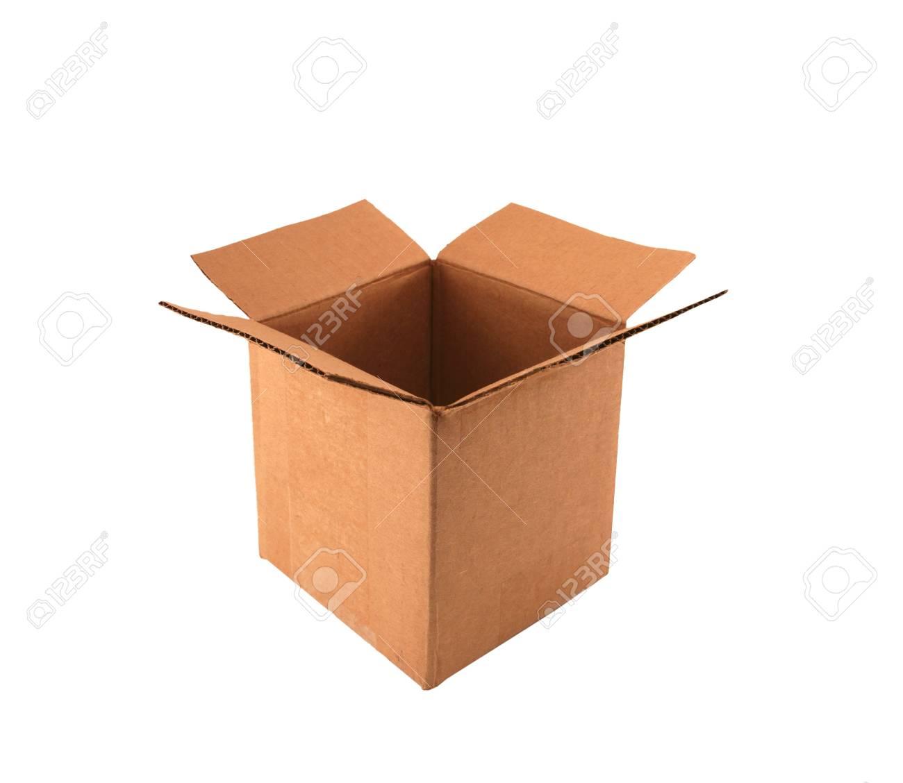 Un isolé boîte vide en carton ouvert