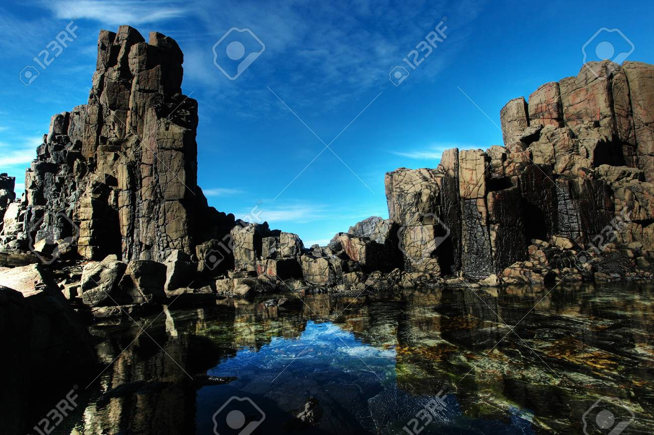 unusual coastal rock formations at kiama Stock Photo - 7979582