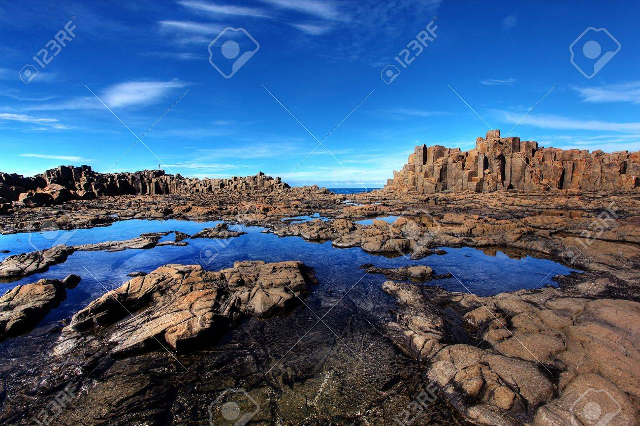 unusual coastal rock formations at kiama Stock Photo - 9852548