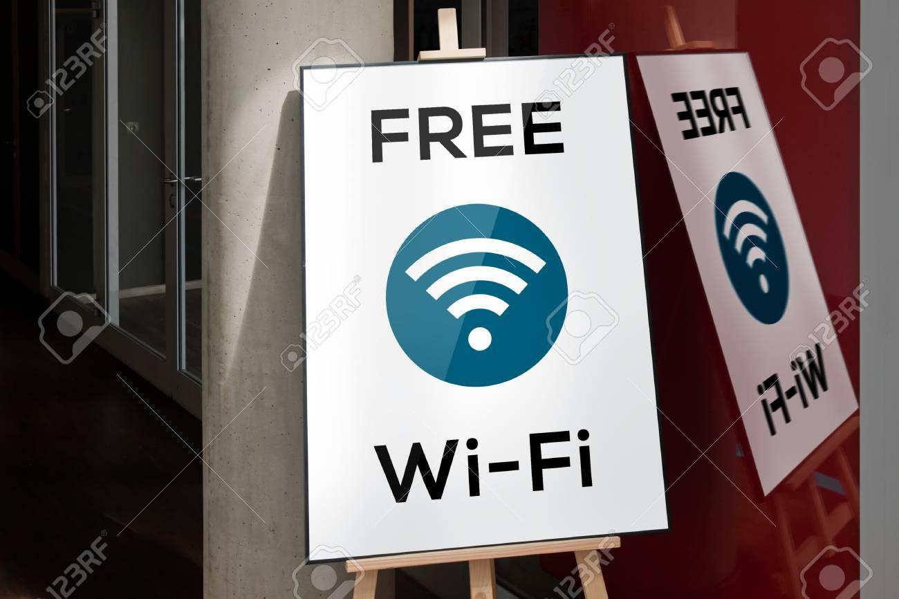 Marco Y Caballete Trípode Soporte Con El Cartel Wi-fi Gratuito Fotos ...