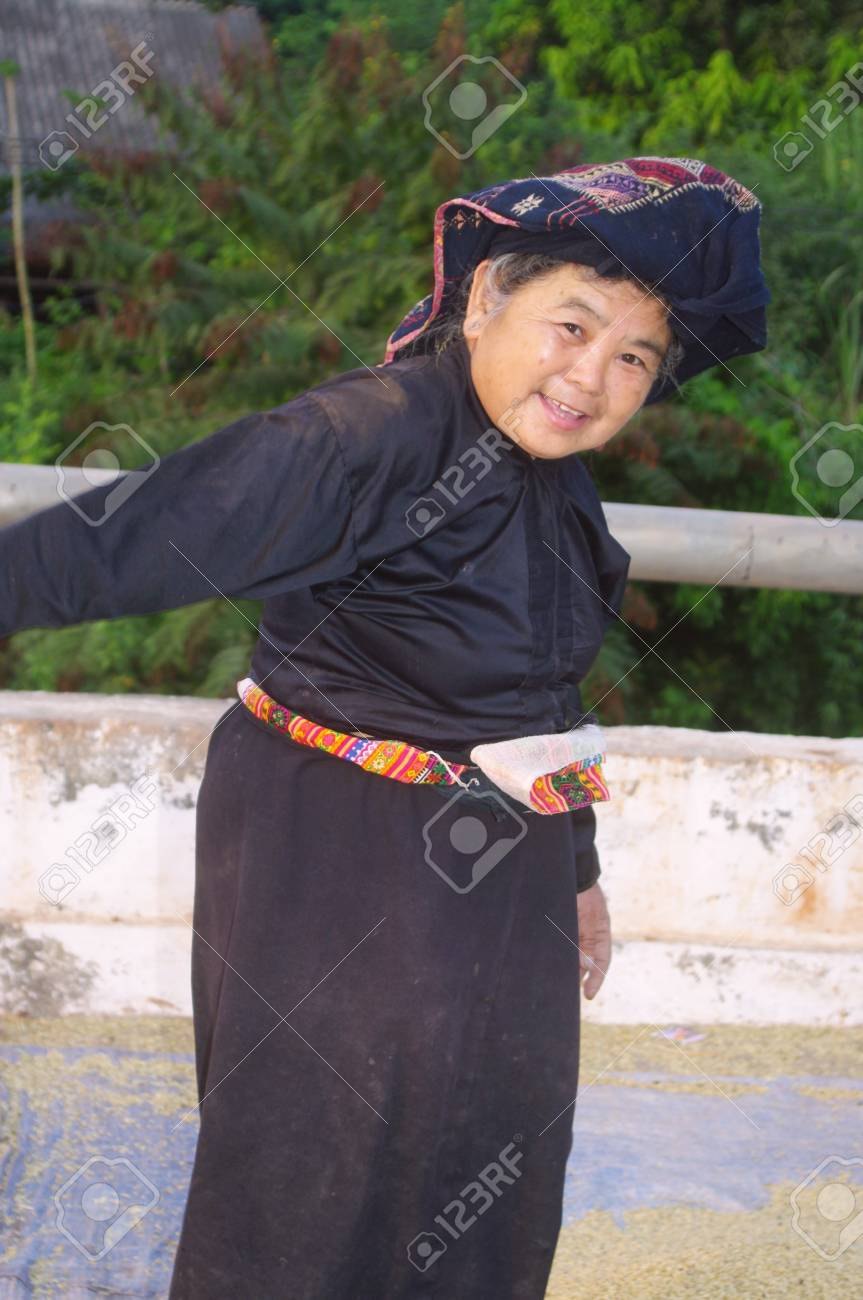 Grandma Thai in traditional costume Stock Photo - 18648971