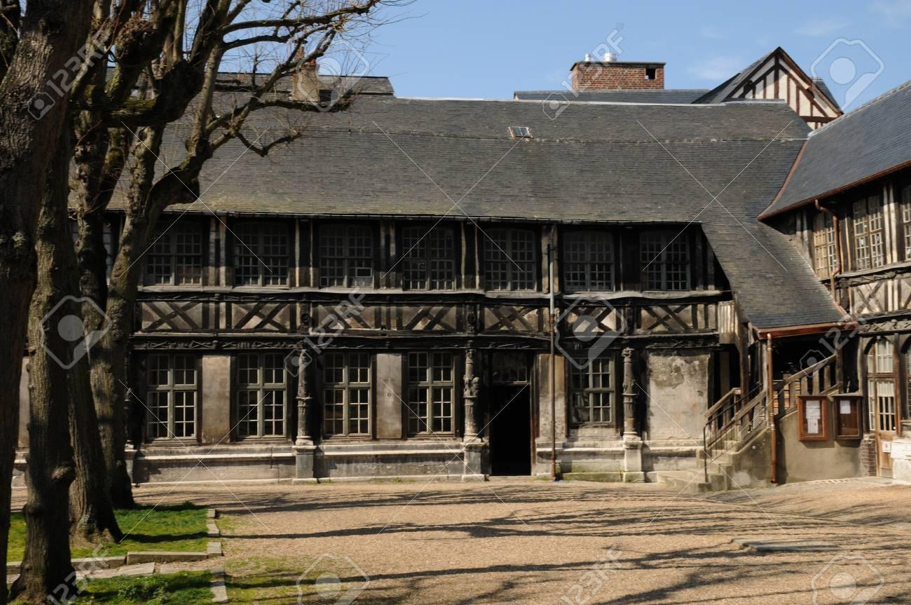 Normandy, l Aitre Saint Maclou in Rouen Stock Photo - 12789500