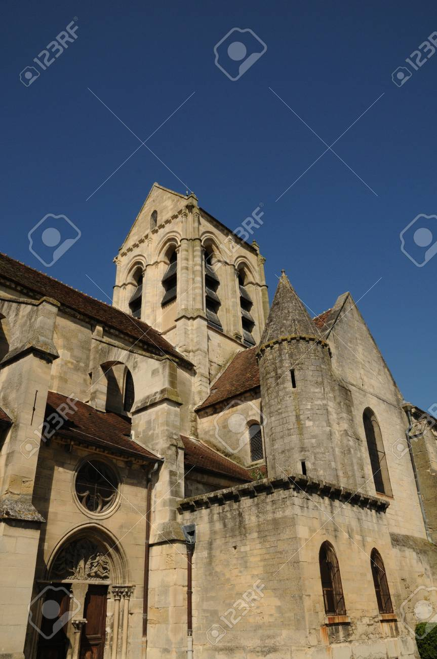 France, the church of Auvers sur Oise Stock Photo - 13148972