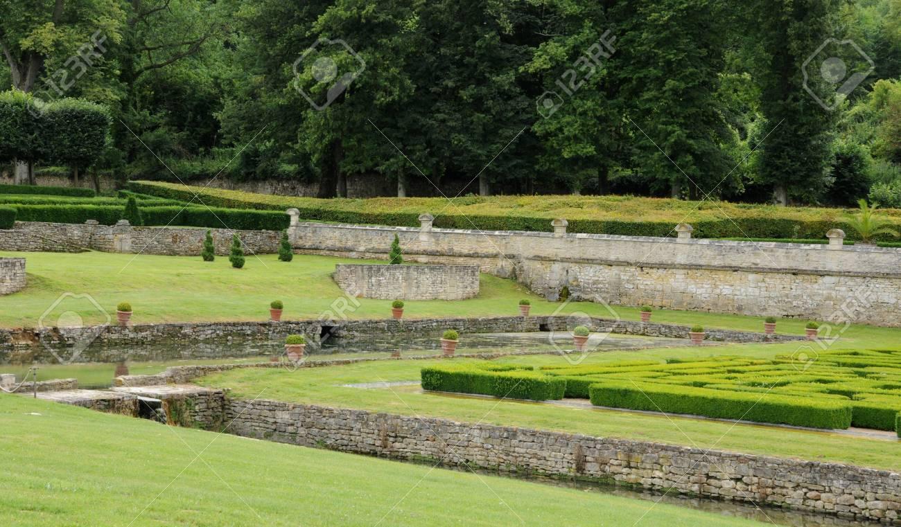 France, French Formal Garden In The Domaine De Villarceaux