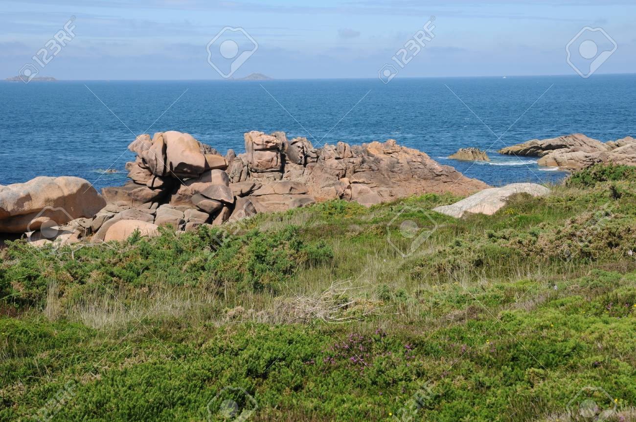 France, pink granit rocks in Ploumanach Stock Photo - 17444287