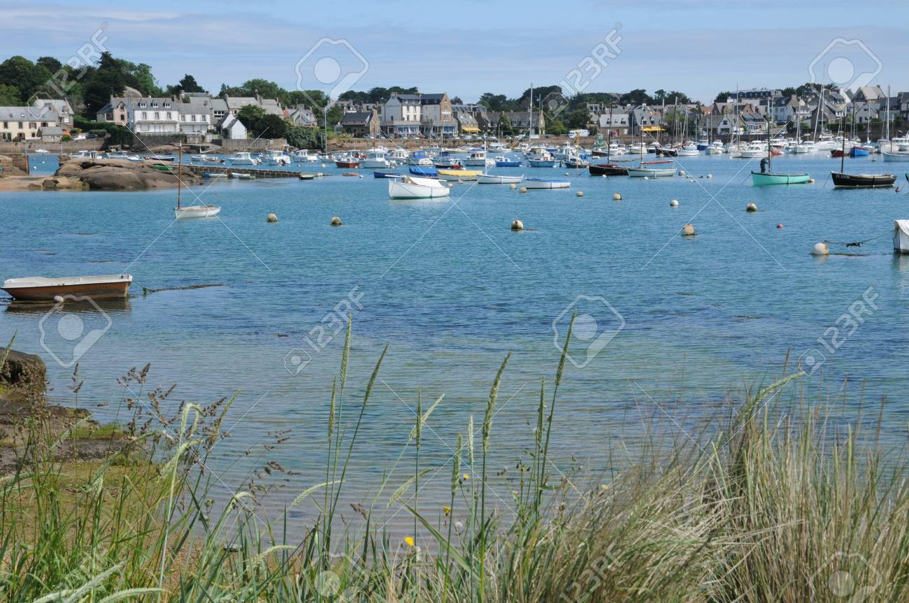France, the picturesque port of Ploumanac h Stock Photo - 17446194