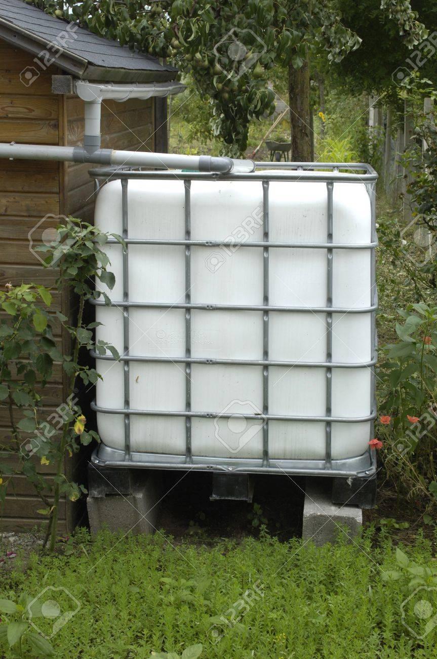 Yvelines Rainwater Tank In A Garden In Les Mureaux Stock Photo