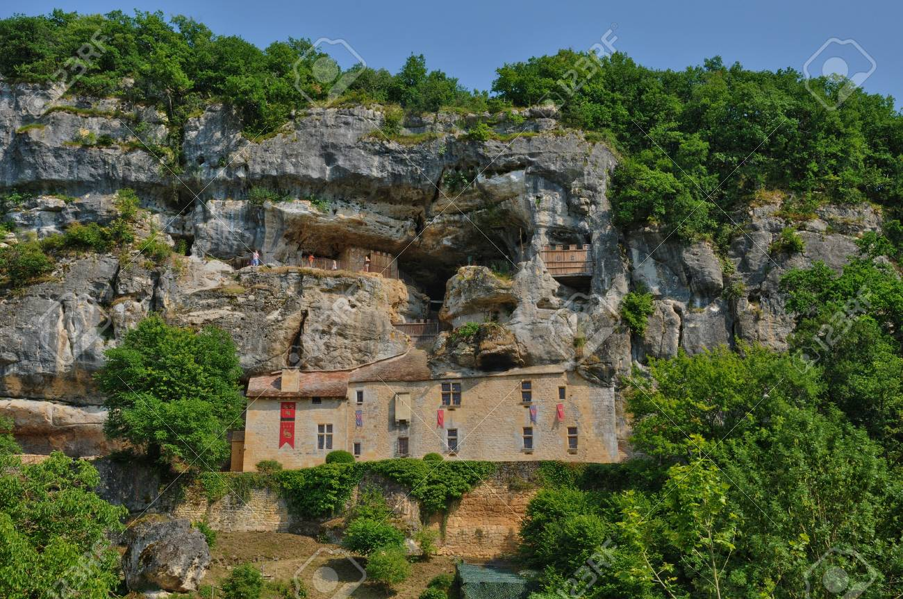 France The Picturesque Maison Forte De Reignac In Dordogne Stock Photo Picture And Royalty Free Image Image 22234238
