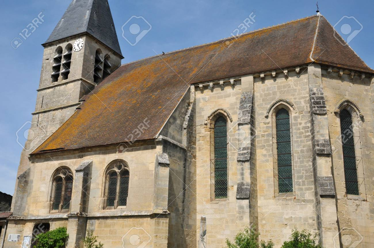Val d Oise, the Saint Gildard church of Longuesse Stock Photo - 28281094
