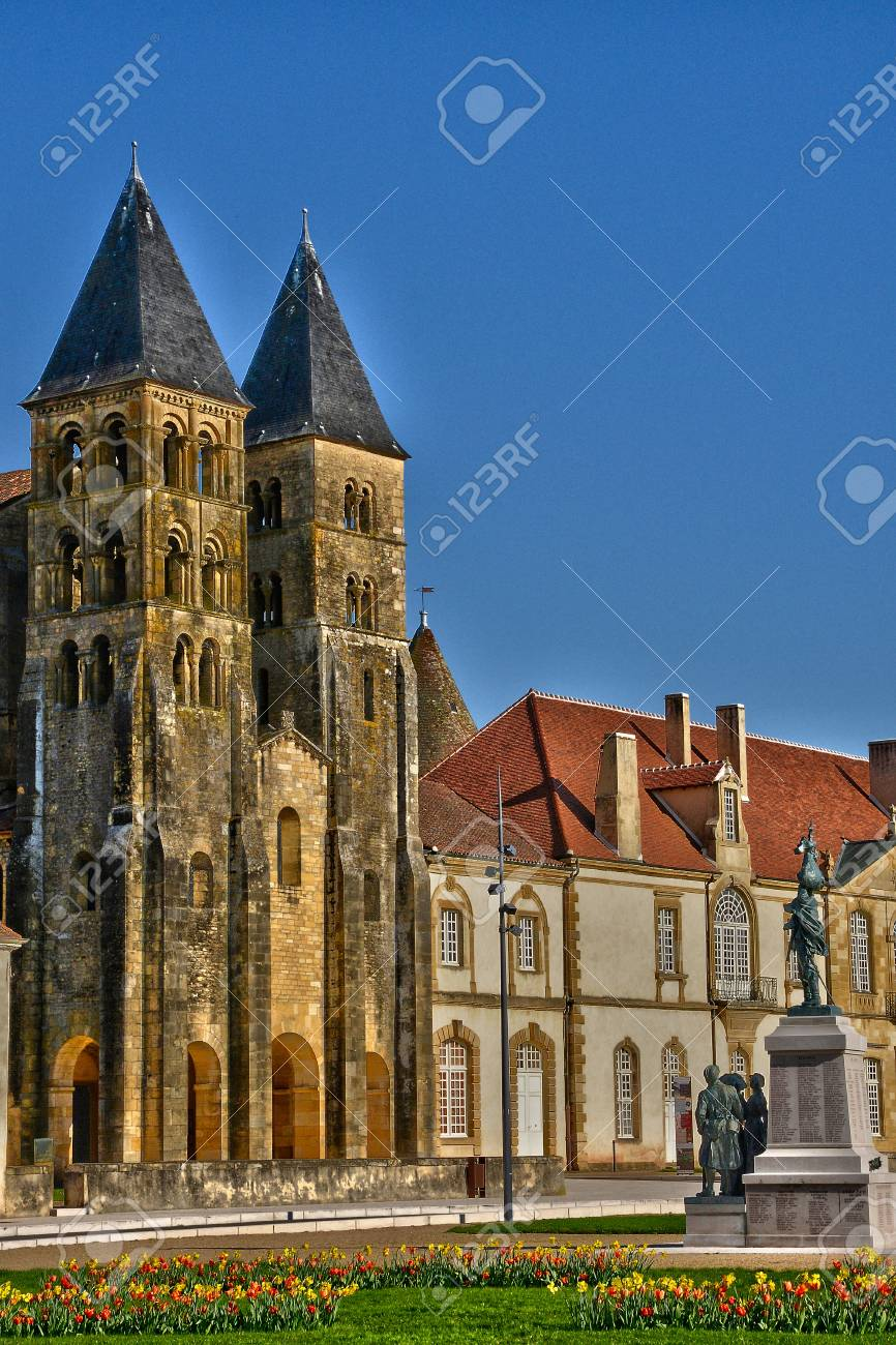 Architecte Paray Le Monial bourgogne, the picturesque basilica of paray le monial in saone..
