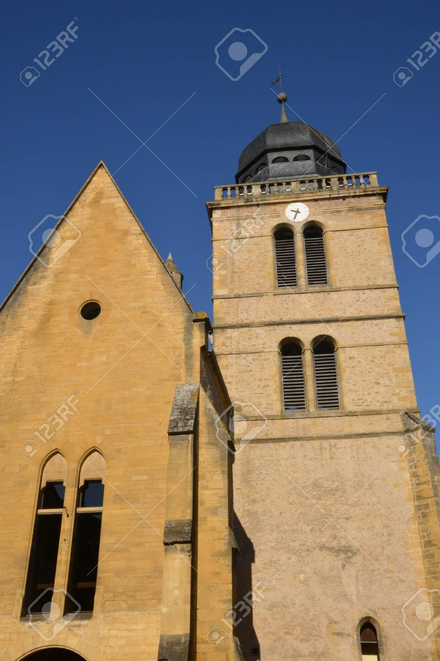 Architecte Paray Le Monial bourgogne, the picturesque saint nicolas church in paray le monial