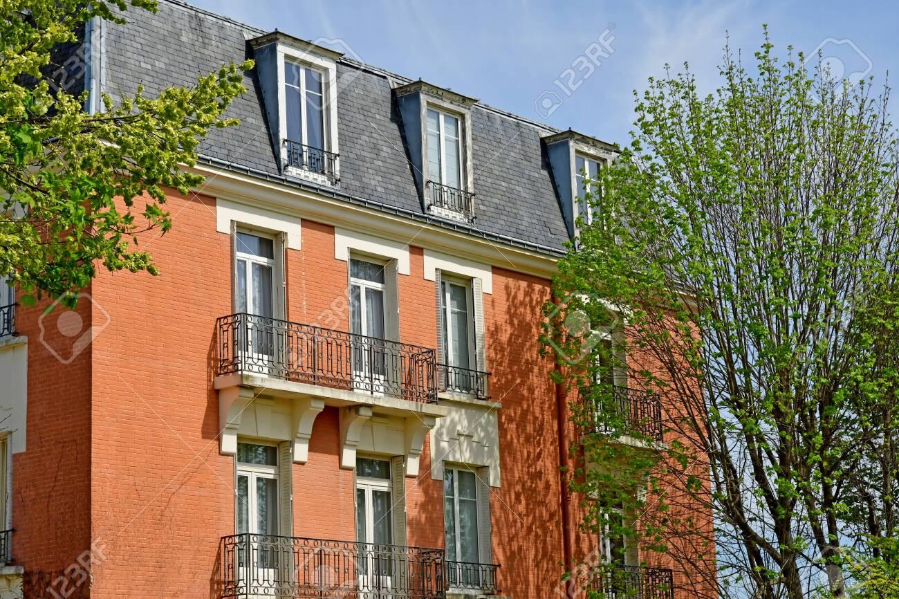 Home St Germain En Laye saint germain en laye; france - april 18 2019 : pavillon henri..