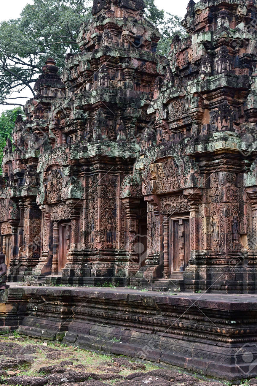 Siem Reap; Kingdom of Cambodia - august 24 2018 : the Banteay Srei temple - 124777679