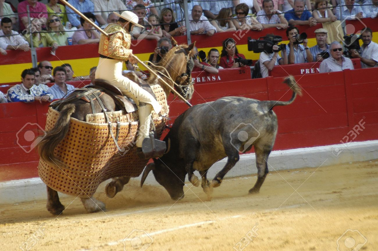 6895982-picador-and-his-horse-in-the-bullring-in-granada-spain-in-the-bull-corpus-fair-june-2007.jpg
