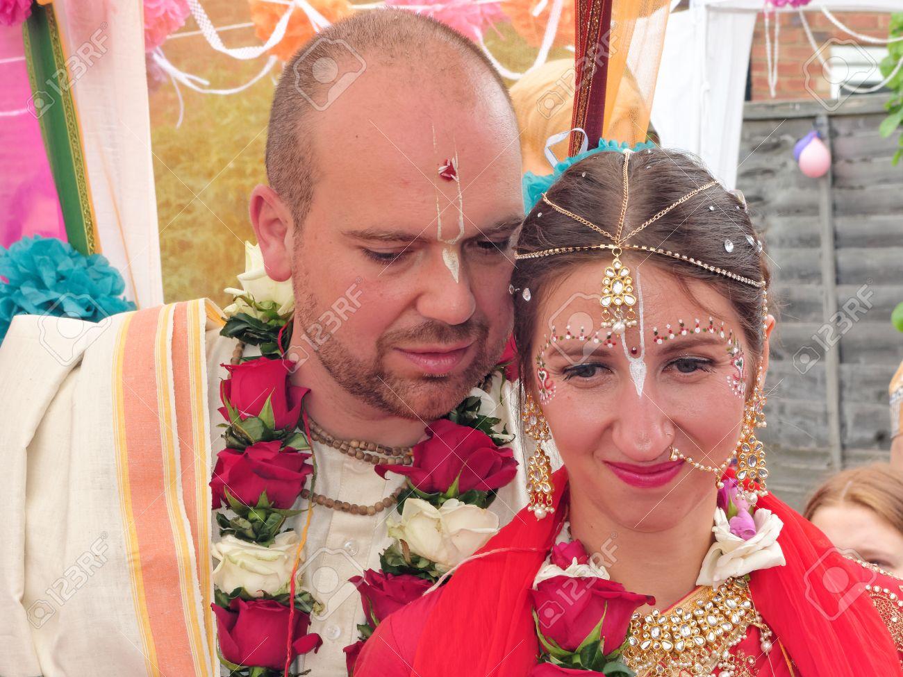 Matrimonio In Inghilterra : Immagini stock bushey il giugno matrimonio indù nella