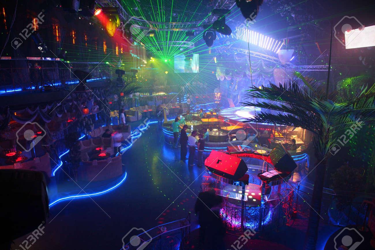 Секс на сцене в клубе пилот мурманск 19 фотография