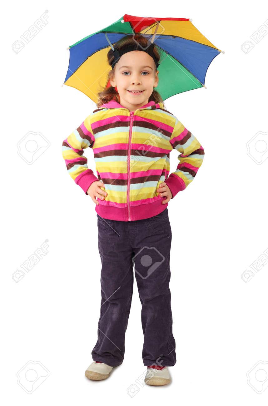 32b5146b9bdff Foto de archivo - Niña en el sombrero paraguas de pie y sonriente