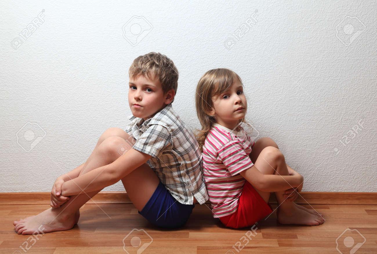 Посмотрела у брата писю, Пися сестры привлекла молодого брата 19 фотография