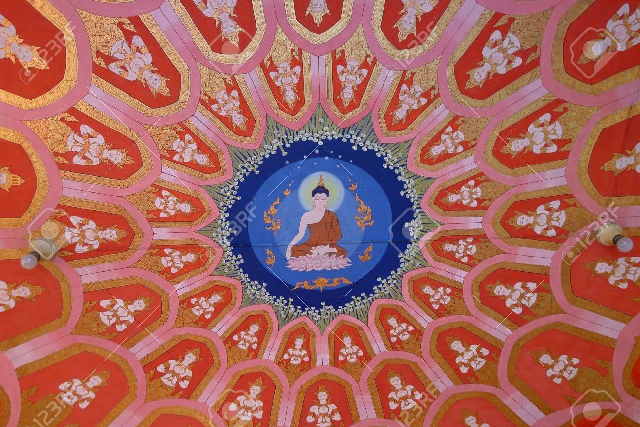 絵画の仏教寺院の天井に ロイヤ...