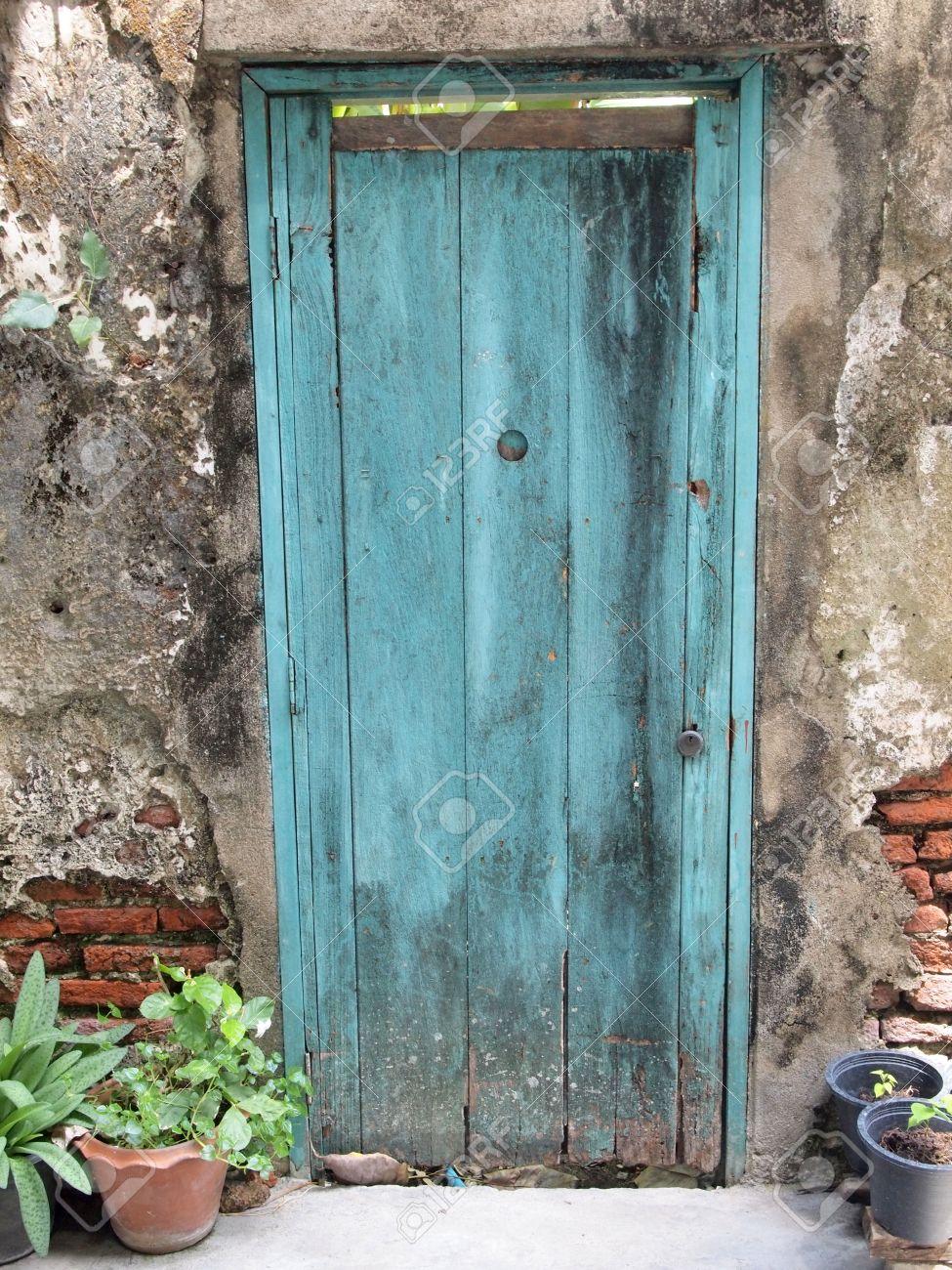Vieille Porte En Bois Ancienne entrée de l'architecture ancienne avec vieille porte en bois
