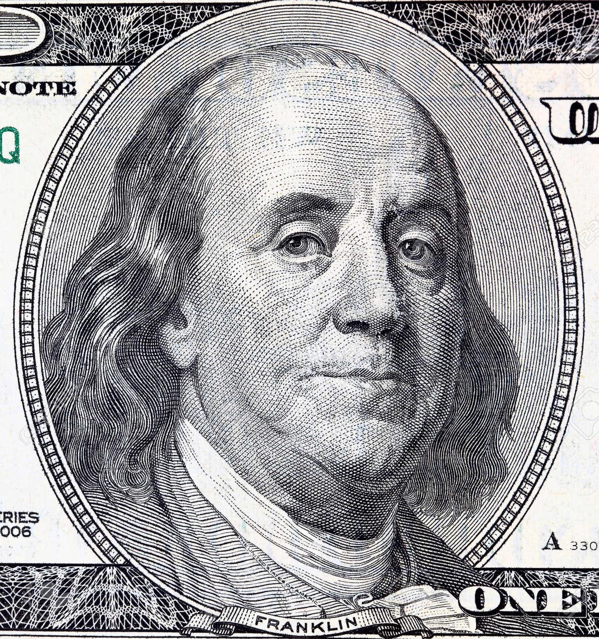 Porträt Von Franklin Vor Dem Dollar-Schein Lizenzfreie Fotos, Bilder ...