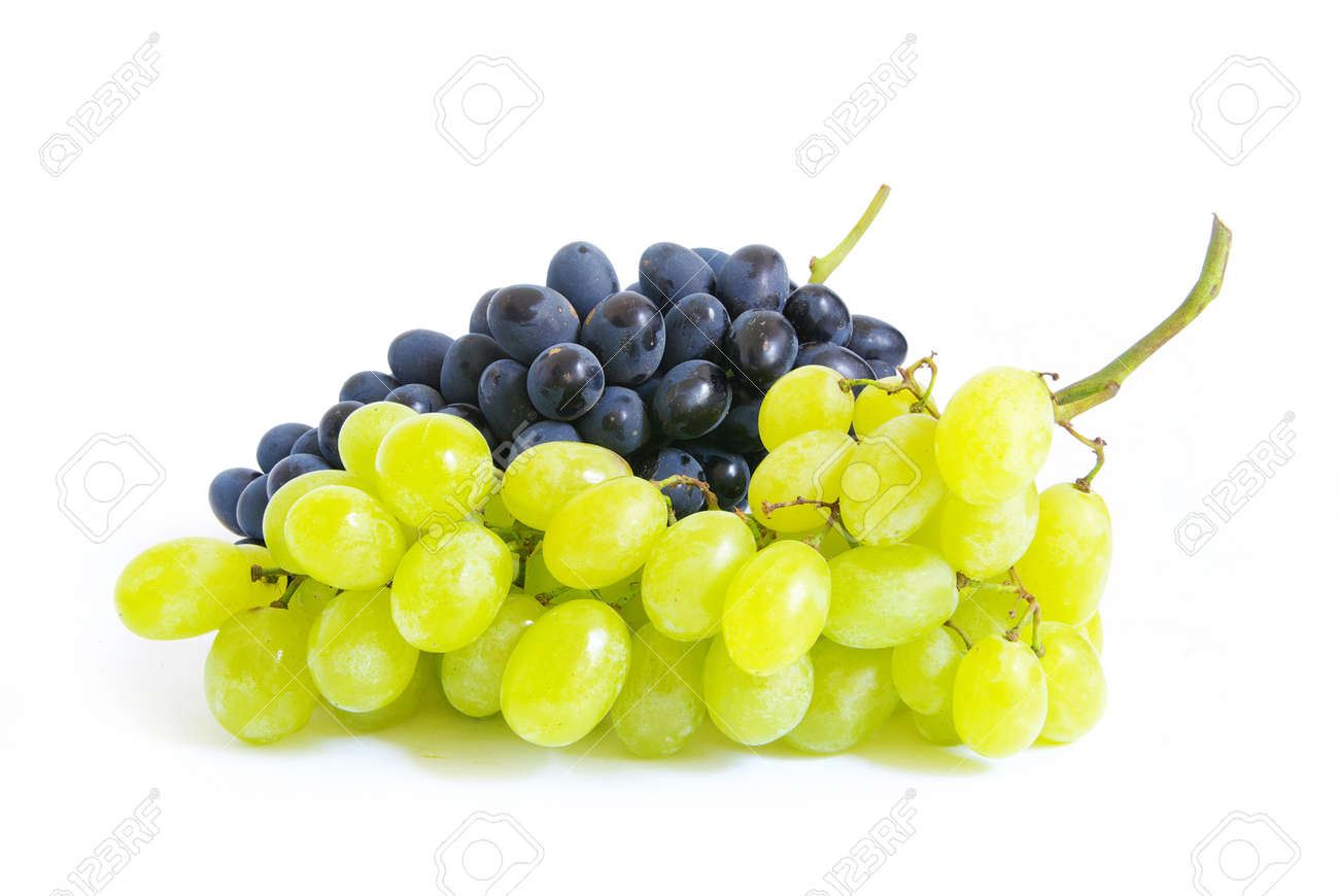 Fresh grapes brunch with green leafs Stock Photo - 8083162