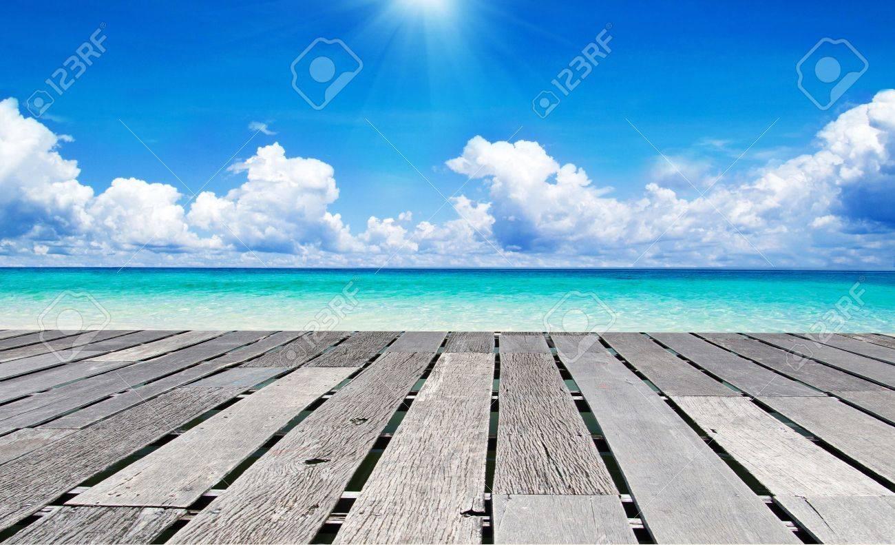beautiful beach and tropical sea Stock Photo - 15532538