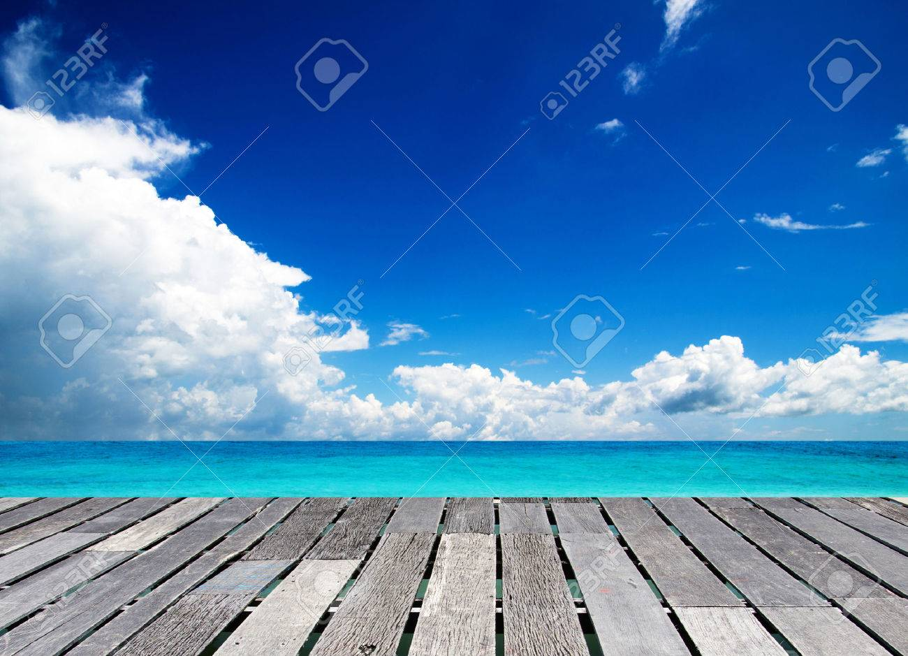 beautiful beach and tropical sea Stock Photo - 25148114