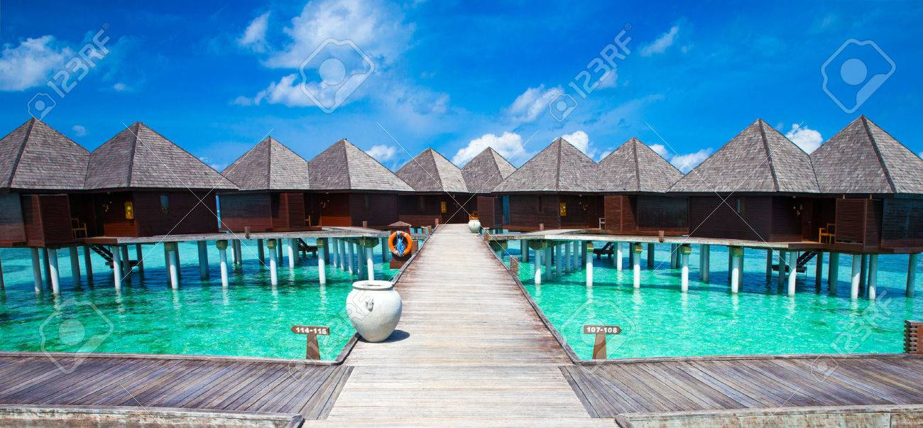Water bungalows on Maldives Stock Photo - 45703677