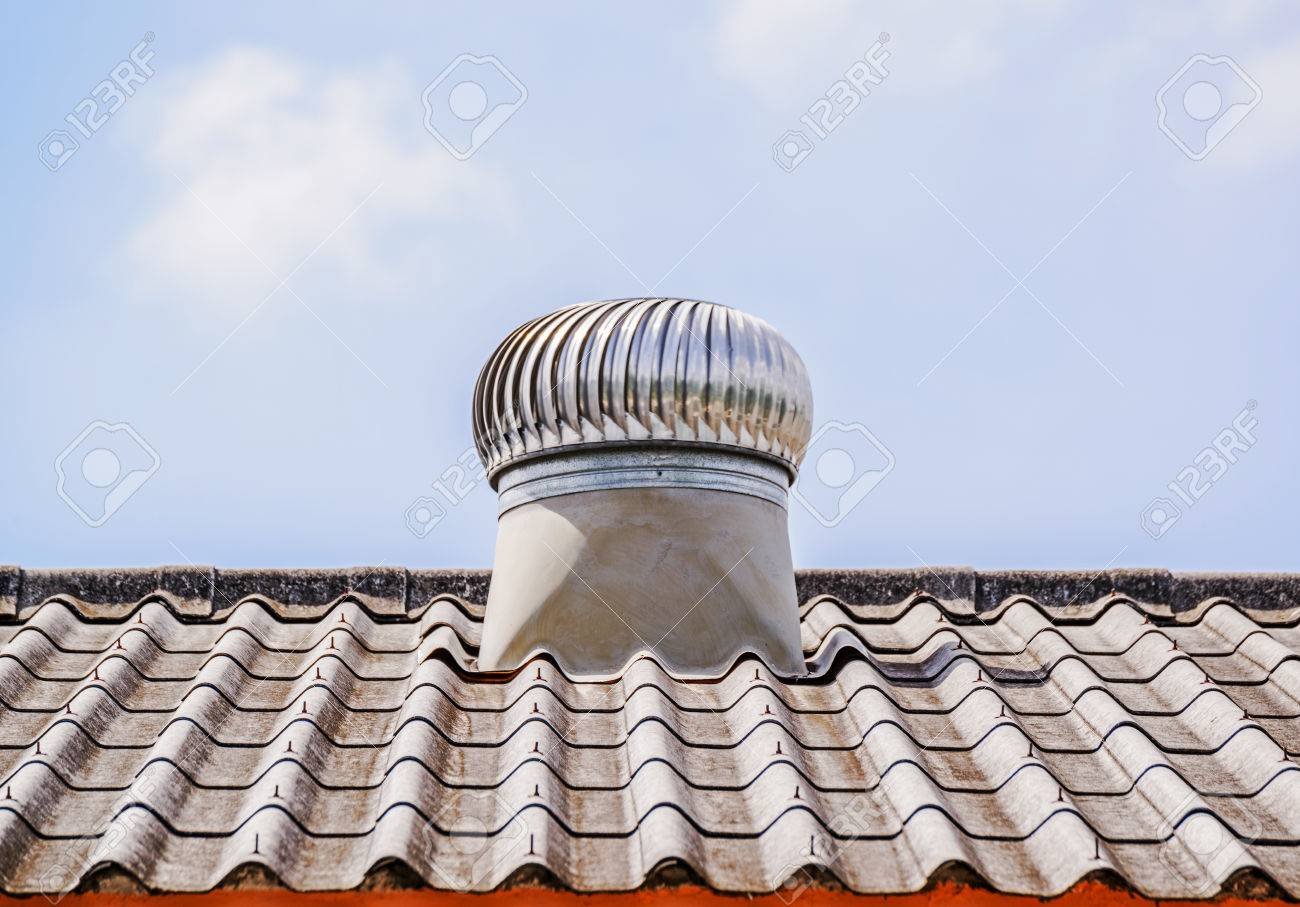 Ventilator Bilder a roof ventilator for heat moving on top roof royalty fria