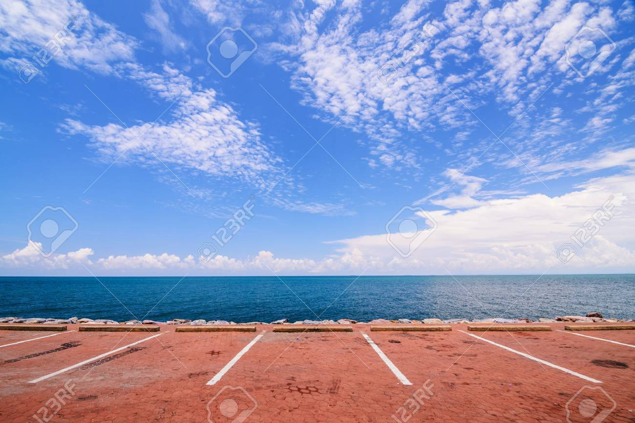 Empty space parking lot on the sea coast Stock Photo - 49066066