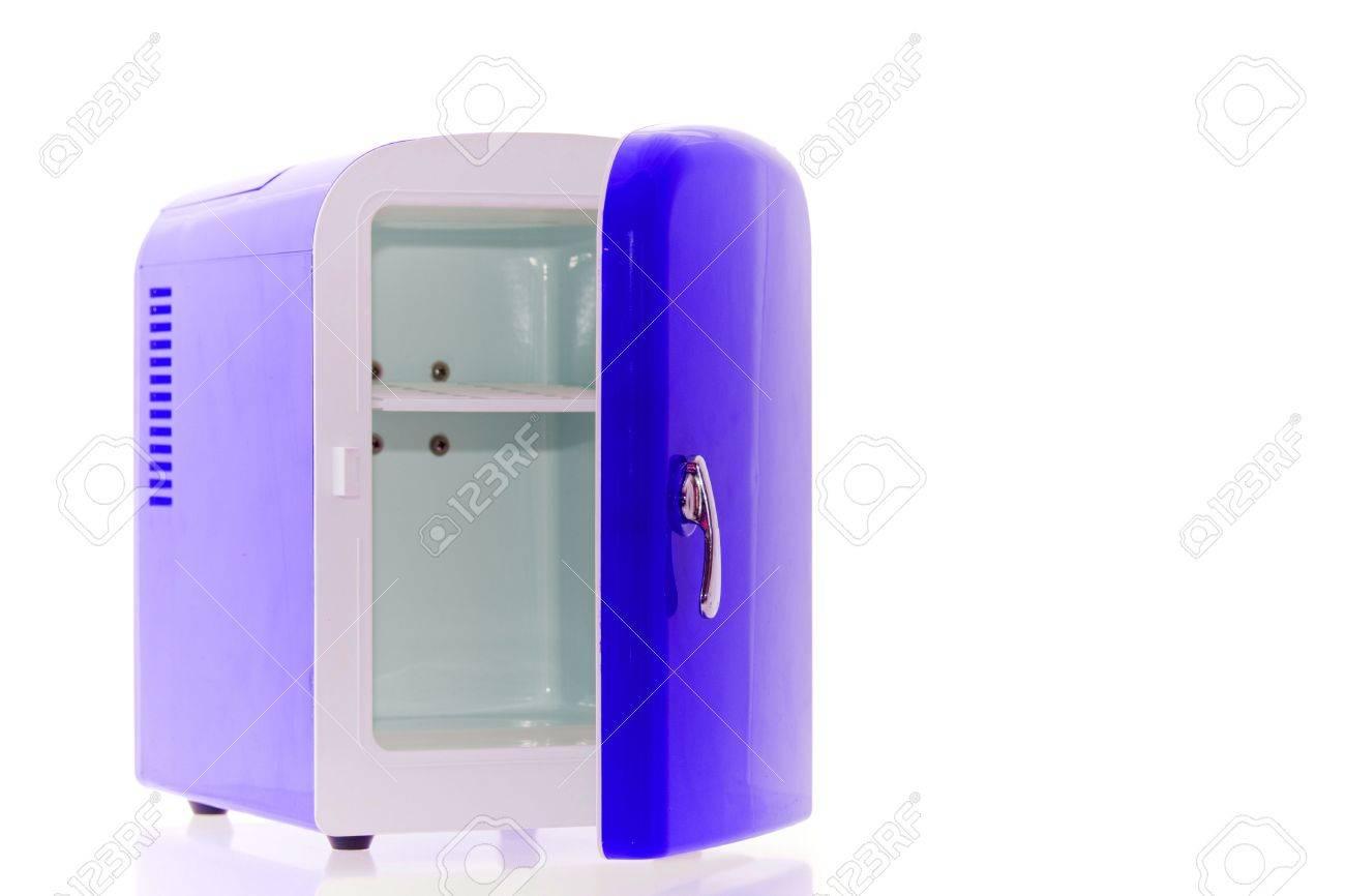 Designer Mini Kühlschrank : Glänzende helle blaue mini kühlschrank lizenzfreie fotos bilder und