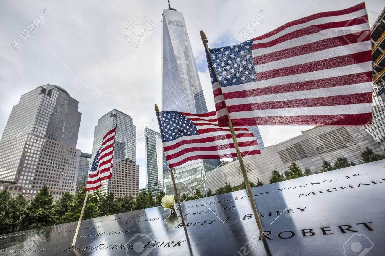 NUEVA YORK, EE.UU. - 27 Sep, 2015: Memorial A Las Víctimas Del 11 De ...