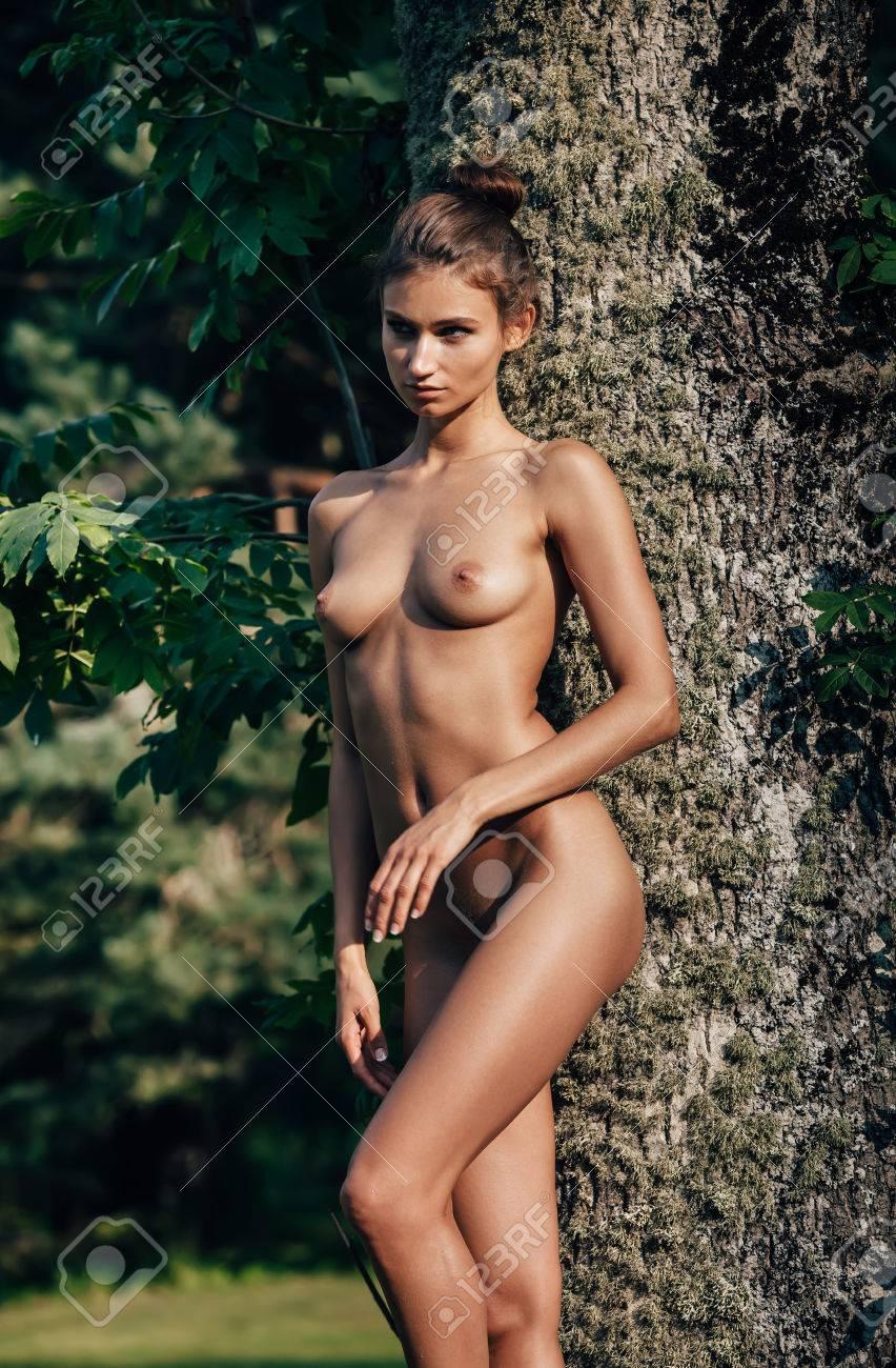 tiny chinese women nude