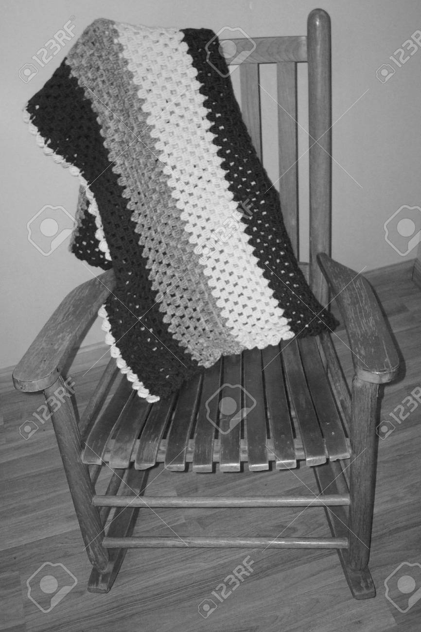 Incredible Antique Slat Rocking Chair Bw Creativecarmelina Interior Chair Design Creativecarmelinacom