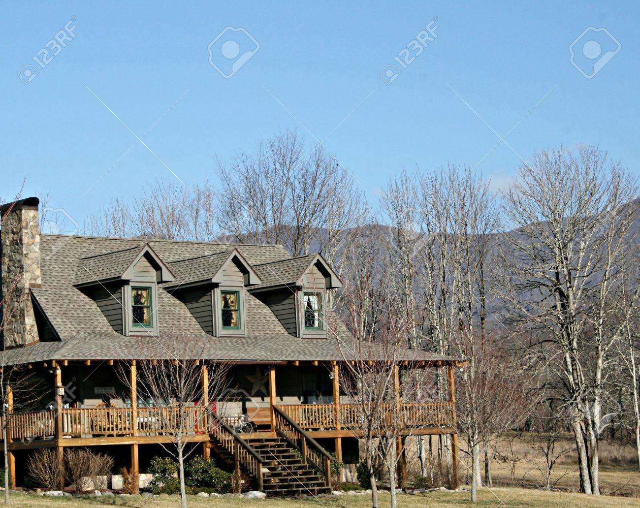 Mountain Home With Large Front Porch Stock Photo - 2605980