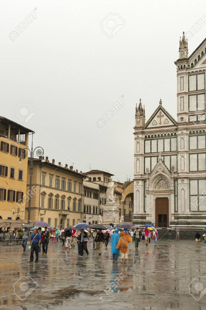 FLORENCE, ITALY - SEPTEMBER 10, 2014: Unrecognizable tourists