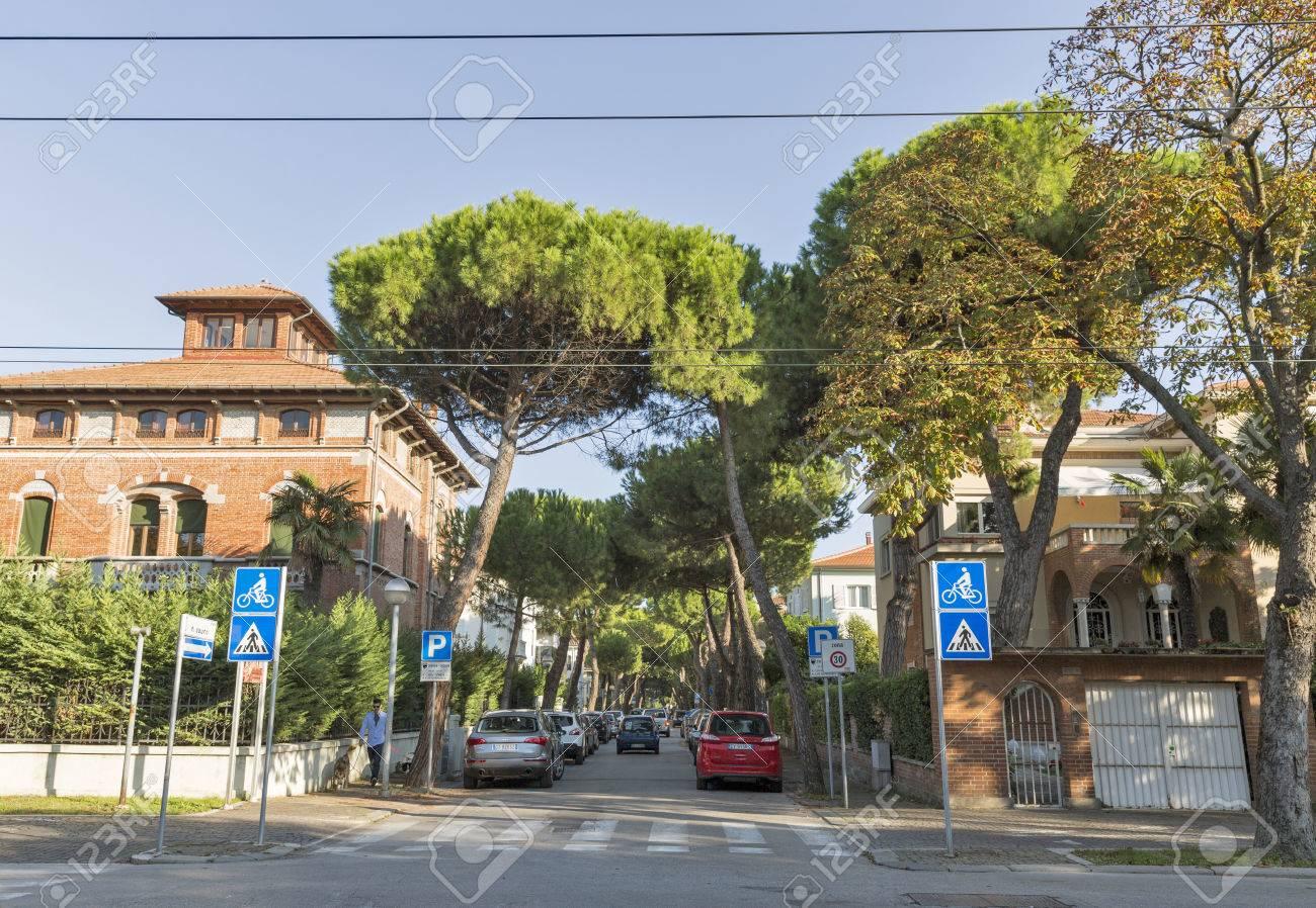 15 Architetti Famosi rimini, italia - 25 settembre 2016: il principe amedeo viale vecchia  architettura. rimini è una delle più famose località del mar adriatico in  europa