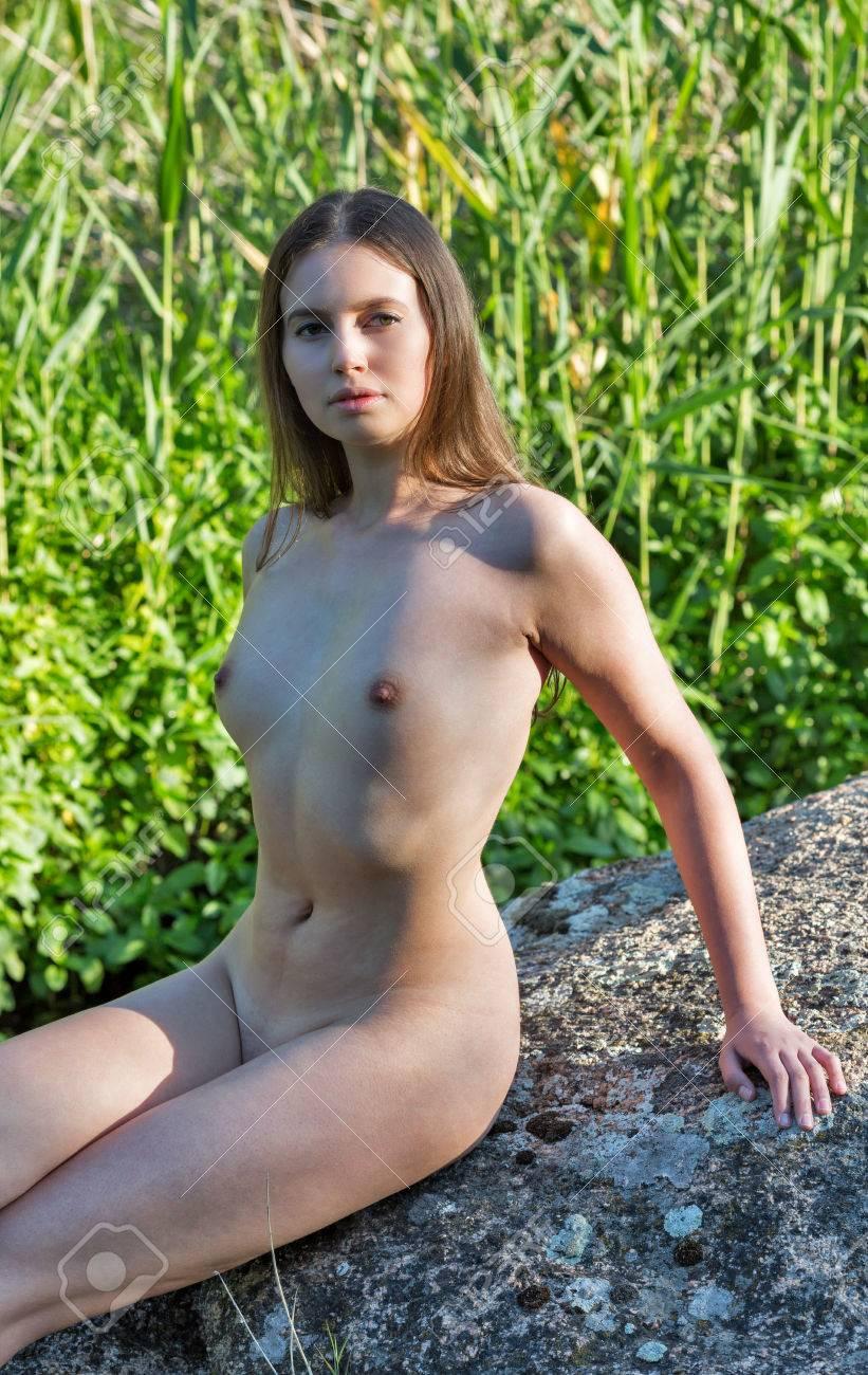 Nackt mädschen Naked Girls