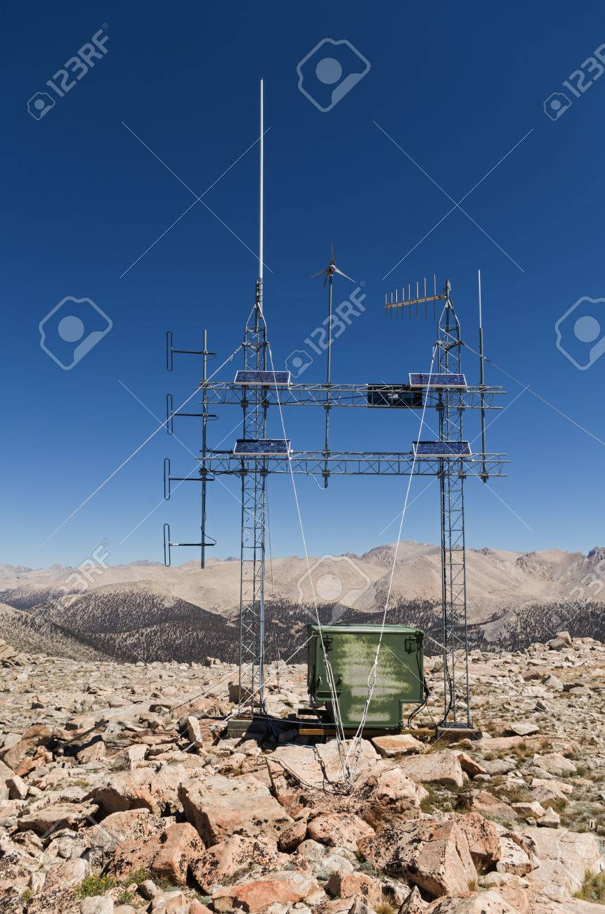 mountain top solar powered radio repeater antenna array with