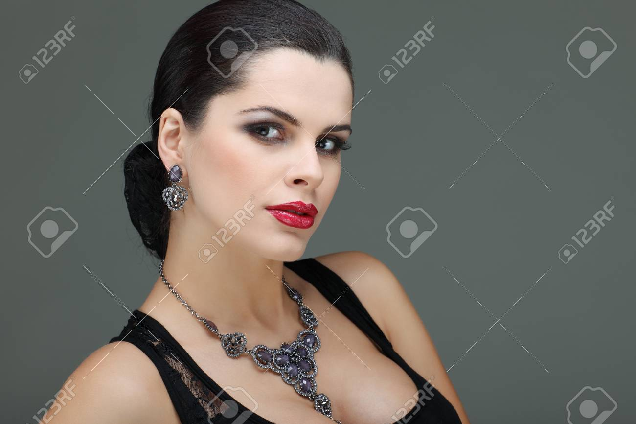 portrait elegant sexual woman  in fashion style Stock Photo - 15636099