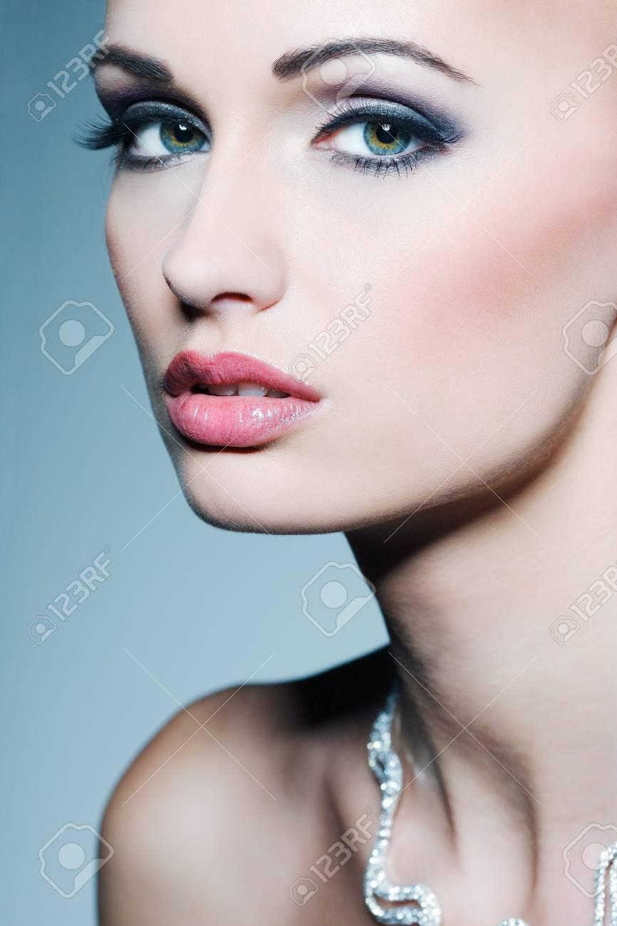 Fashion girl portrait.Accessorys. Stock Photo - 17501623