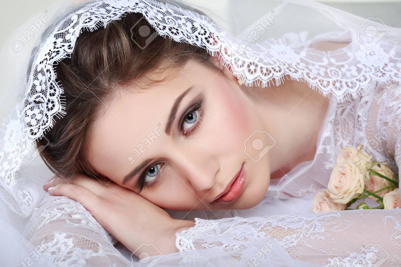Portrait of beautiful bride. Wedding dress. Wedding decoration Stock Photo - 24251869