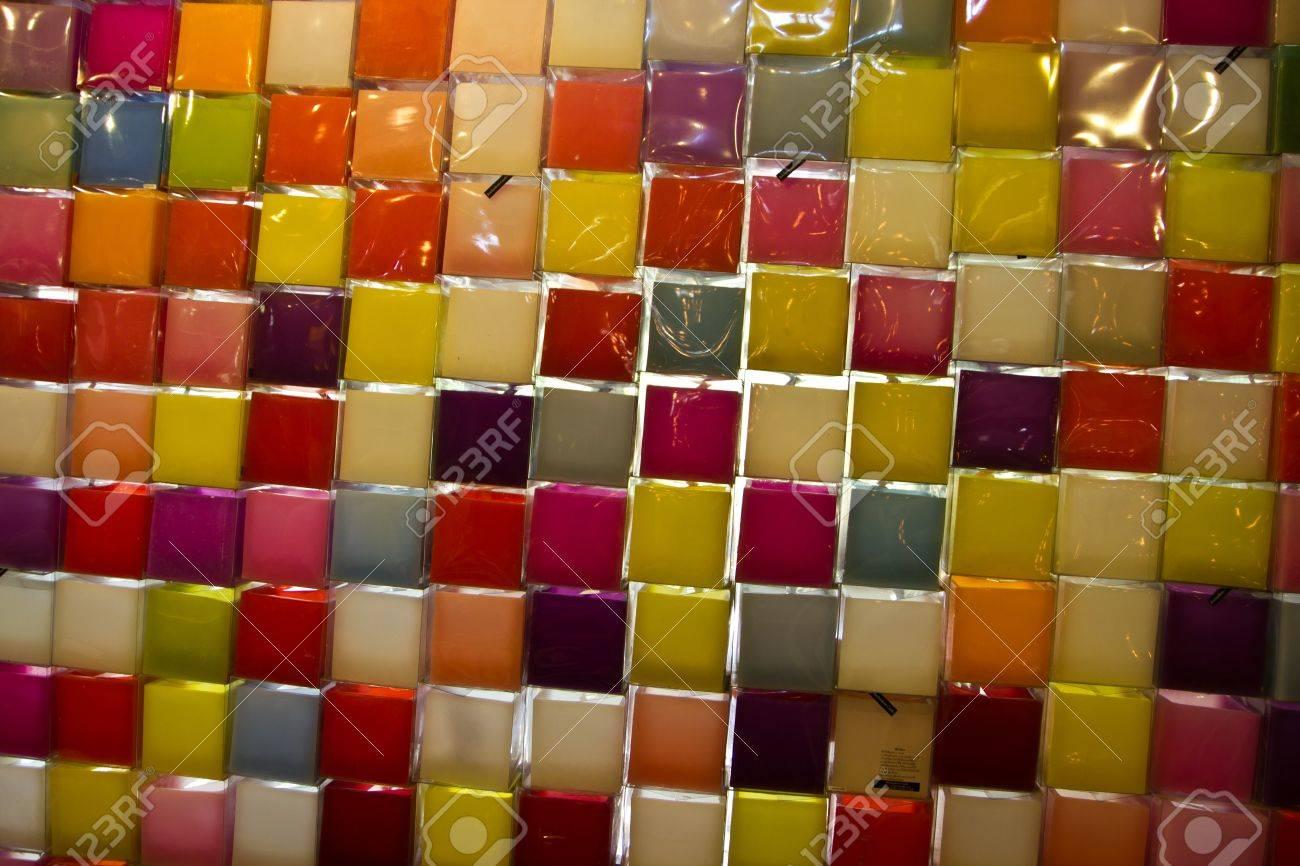 複数の色のキャンドルの壁紙広場 の写真素材 画像素材 Image 17968566